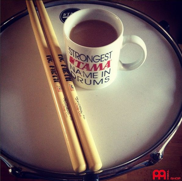 Have a little coffee break and stand still in the stressfull run up to xmas. Mugs are available from our meinlshop.de Photo: @shdrums #meinlshop #meinl #meinlcymbals #mug #mugs #tasse #tama #tamadrums #xmas #xmasgift #potd #photooftheday #haveabreak #coffee #kaffee #kaffeepause #coffeetime #coffeebreak