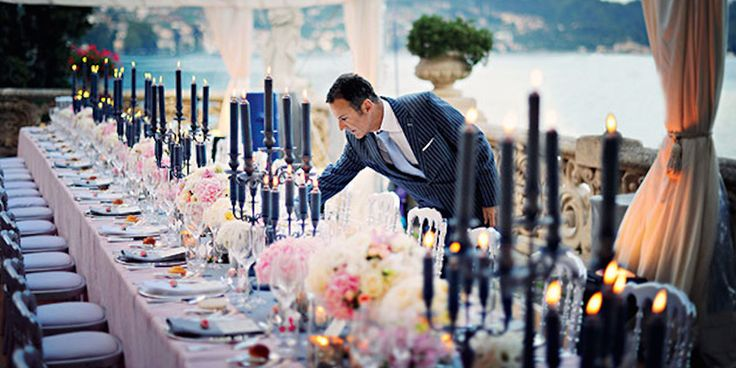 Questions to Ask a Wedding Planner Before You Hire Them : Brides