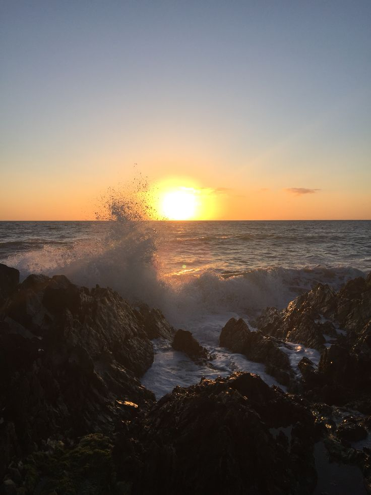 Spectacular Sunday sunrise! Hope you've a lovely day!