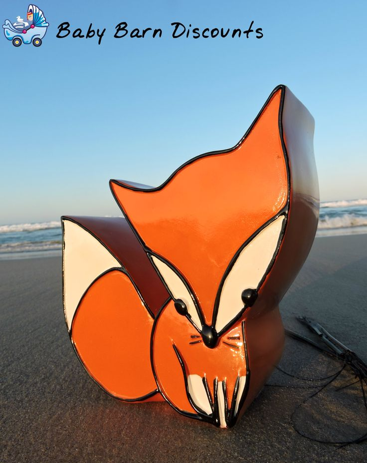 Carte Blanche's Fox money box will look adorable sitting on any shelf and encourage little ones to save their money.