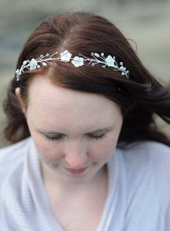 Bridal Wild flower headpiece / Tiara made with by YourSparkling