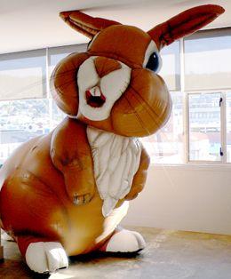 michael parekowhai bunny at hailwood show - Google Search