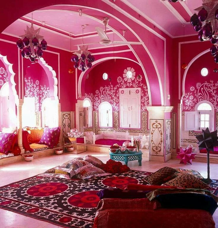 One of my rooms in my house is going to be super indian like this. Full of indian decor