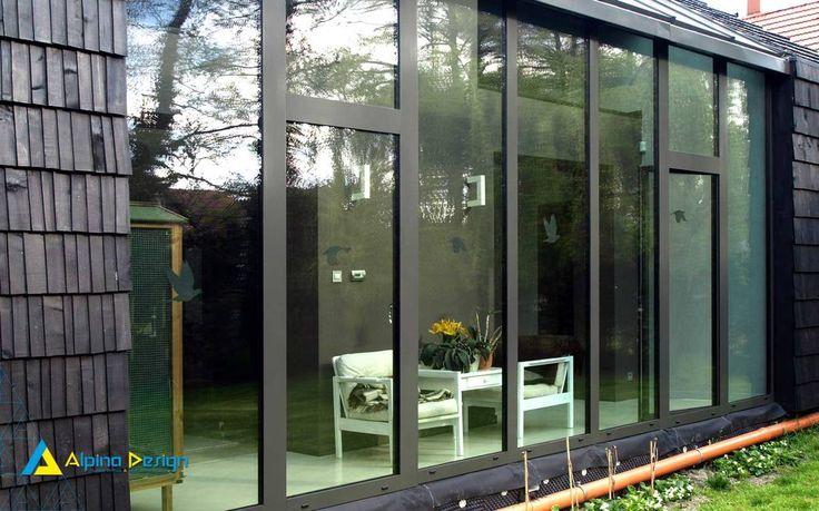 Ogrody zimowe : Modernistyczne domy od Alpina Design