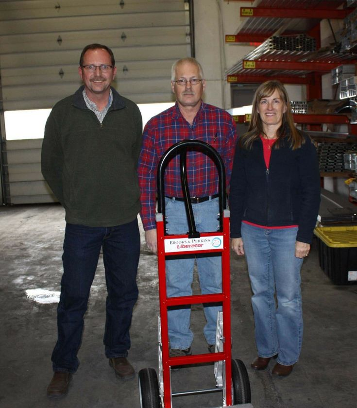 Steve Traulsen retires after 23 years of service. Steve was one of the first employees hired by Keith & Gale Merchant in 1995 when they purchased B&P Manufacturing. Craig & Tracy Hewett honored him this past month with a custom B&P 75th year anniversary hand truck. Congratulations Steve!