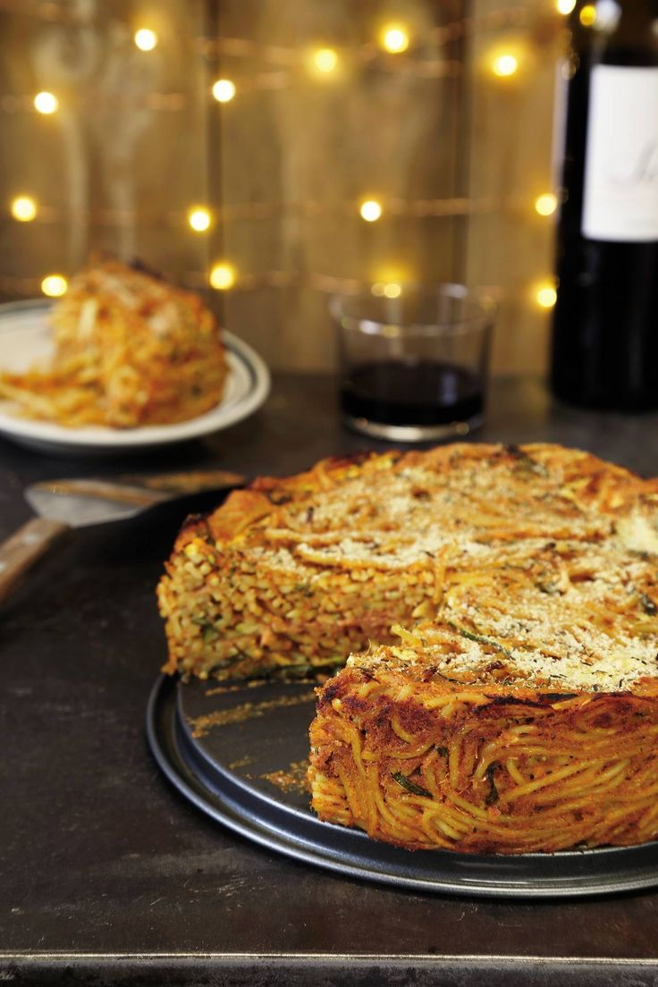 This gluten-free vegan crispy spaghetti pie from Thug Kitchen is super easy and delicious.