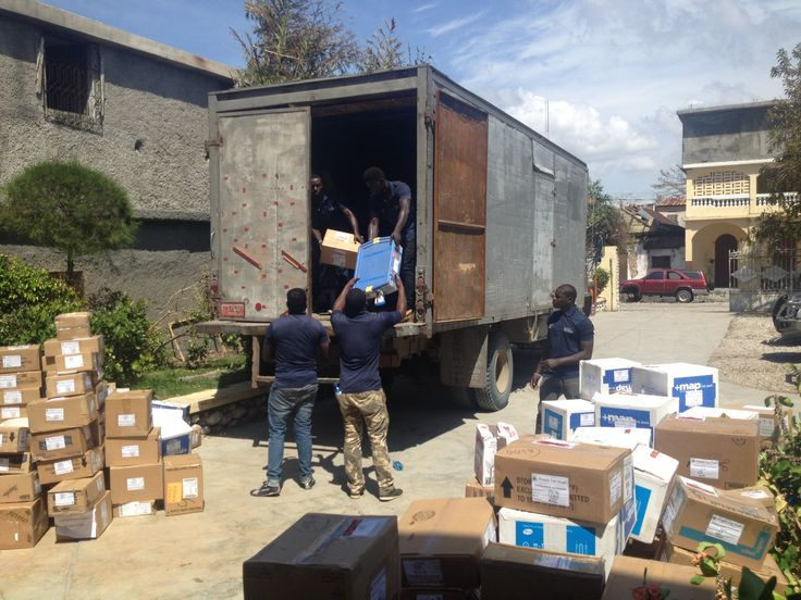 MAP Medical Mission Packs are being unloaded and distributed to people in the hardest hit areas of Haiti. Help us send more: https://www.map.org/hurricanematthew #HurricaneMatthew #Haiti #BlueBoxes #DisasterRelief #GlobalHealth #EmergencyResponse  Photo Credit: Hope for Haiti