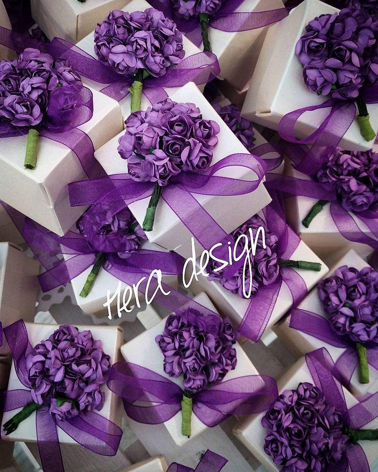 Mor ağaçlı şeker kutularımız... #heradesign #özeltasarım #nikah #düğün #nişan #wedding #nikahşekeri #weddingfavors #kişiyeözel #nikahhediyelikleri #nişanhediyesi #çiçektohumu #favorbox #şekerkutusu #vintage # davetiye #davetiyemodelleri