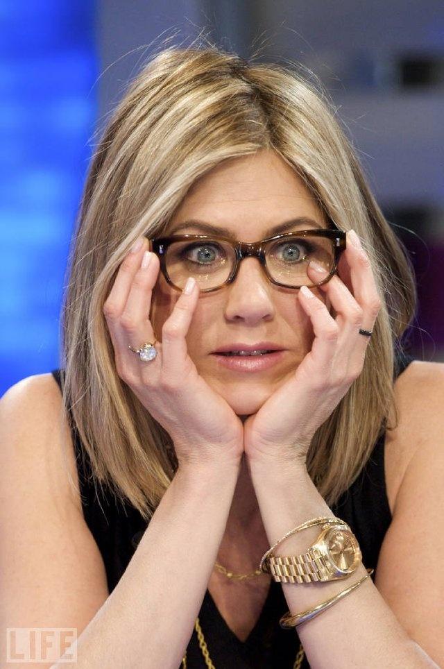 Jennifer Aniston: I love the glasses, I love the hair, I just love Jen :)