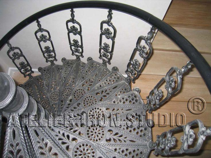 03 Чугунная винтовая лестница Классика