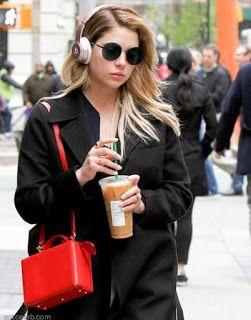 海外セレブスナップ | Celebrity Style: 【アシュリー・ベンソン】キュートな赤バッグでコーヒー片手にお出かけ中のアシュリー!