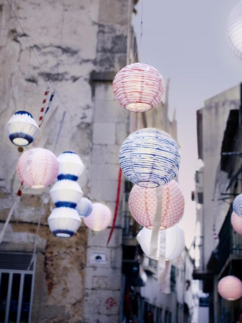 These chains of 24 LED bulbs cost €17 each at Ikea (ikea.ie) and can be dressed to suit the style of your space. Paper lantern style orbs come in cool blue hues and cost €5, while tropical flower decorations cost €8. You will need two packs of 12 to dress each chain.