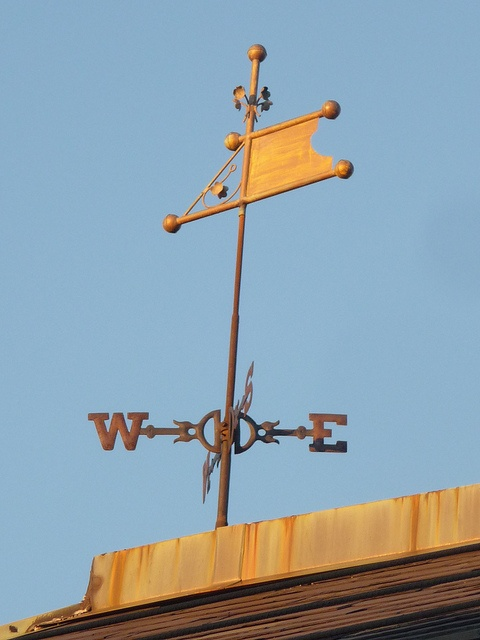 Weather vane in Inman Square  Always wanted a weathervane.