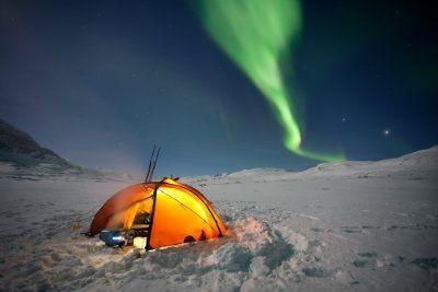 Camping_Along_Alaska_Highway.jpg (400×267)