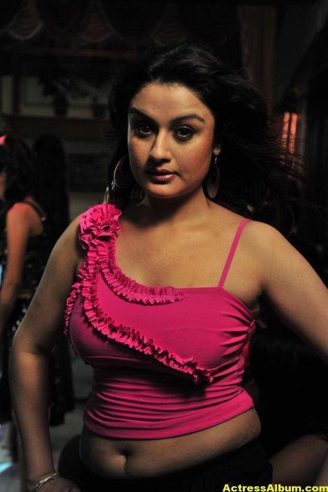 Sonia Agarwal Hot Item Song Navel Show