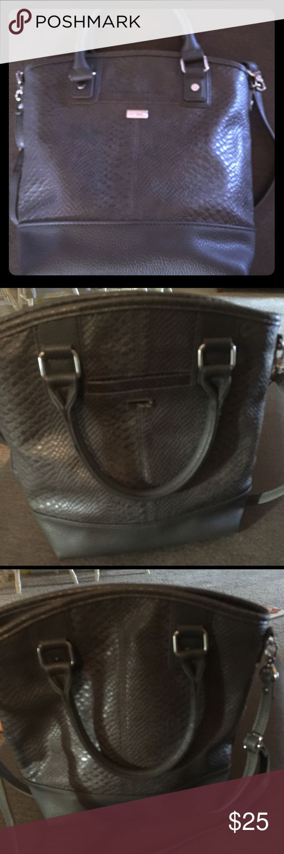 Thirty One Purse Handbag with shoulder strap. Small but mighty little purse. ThirtyOne Bags Shoulder Bags