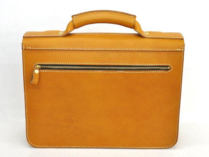 飽きずに長く使える学生鞄風の2way本革ビジネスバッグ「革鞄のHERZ公式通販」