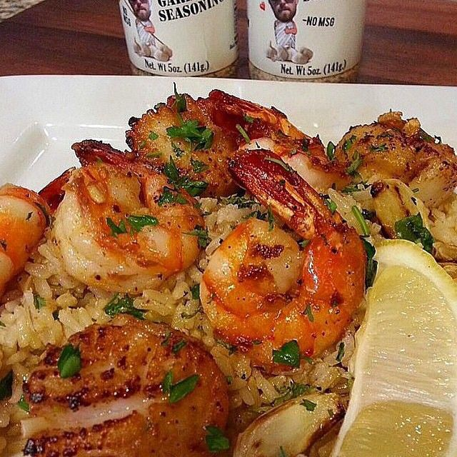 Shrimp & Scallop Scampi Sautéed in White Wine Over a Fresh Basil & Brown Rice