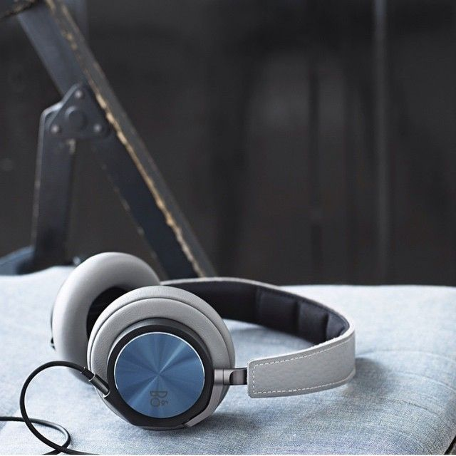BeoPlay H6 headphones from @bangolufsenanz Would love a pair myself!