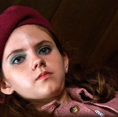 Get The Makeup Look Of Suzy Bishop Of Moonrise Kingdom Movie - Teal Eyes and Nude Lips
