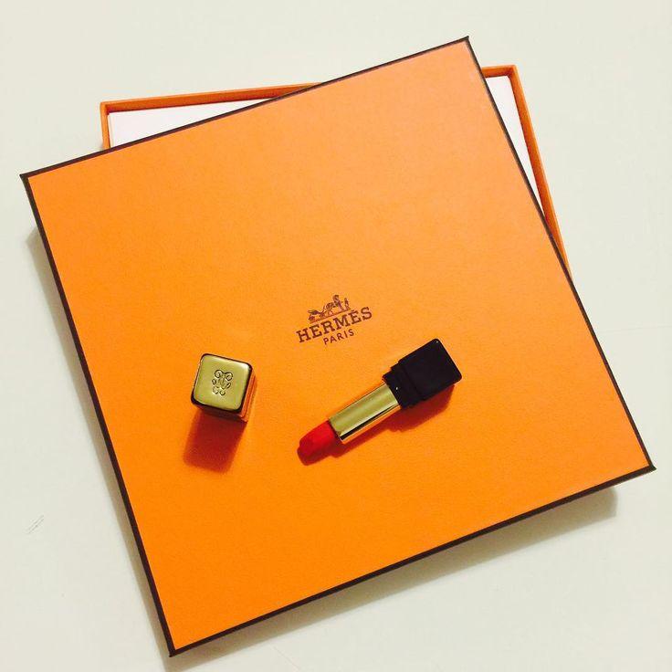 les 427 meilleures images du tableau hermes boites paquets cadeaux sur pinterest paquet. Black Bedroom Furniture Sets. Home Design Ideas