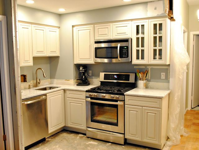 Small kitchen remodel before and after kitchen remodel for Small kitchen remodel before and after