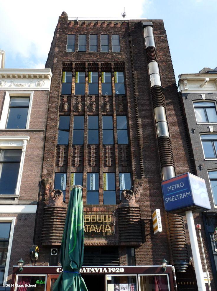 Amsterdam School, Batavia (1918-1920), Prins Hendrikkade, architect J.H. Slot photo by Klaas Schoof
