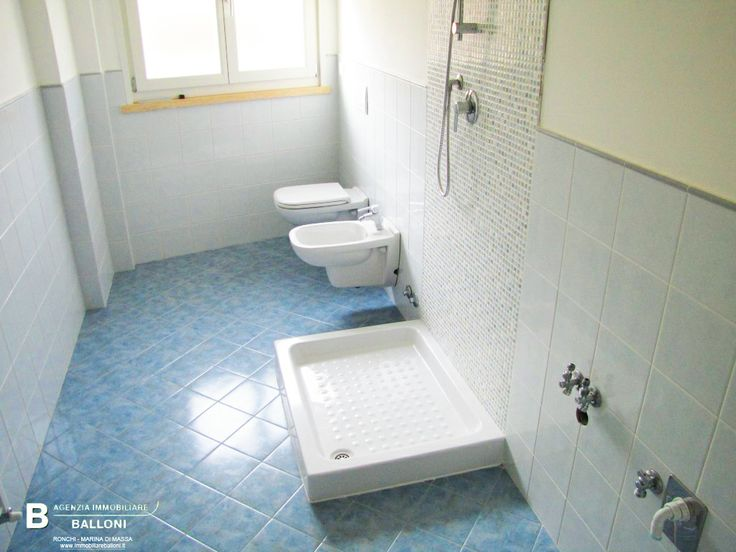 Bagno di #Appartamenti in #vendita in condominio di nuova costruzione a due passi dal #mare a #MarinadiMassa. Rif A100
