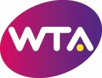 """La WTA y Porsche llegan a una asociación multianual para promocionar una campaña de temporada entorno a las WTA Finals   STUTTGART Alemania Mayo 2017 /PRNewswire/ - La Women's Tennis Association (WTA) ha anunciado que el especialista en automoción Porsche ha llegado a una asociación multianual para convertirse en el patrocinador de título de la campaña de clasificación de las WTA Finals la """"Porsche Race to Singapore"""". El consejero delegado y presidente de la WTA Steve Simon declaró: """"La WTA…"""