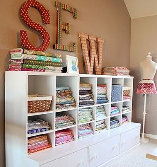 Craft room found.  Love!!! Thank you Craft Apple for letting see a glimple into your gorgeous room. #craftroom #sewing #southernfabric