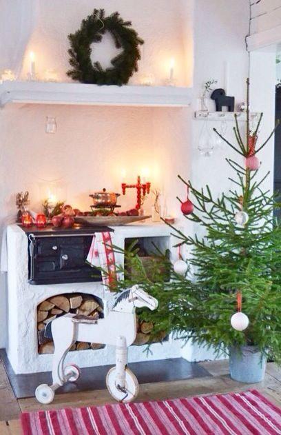 A Scandinavian Swedish Christmas! Stunning @helenashem