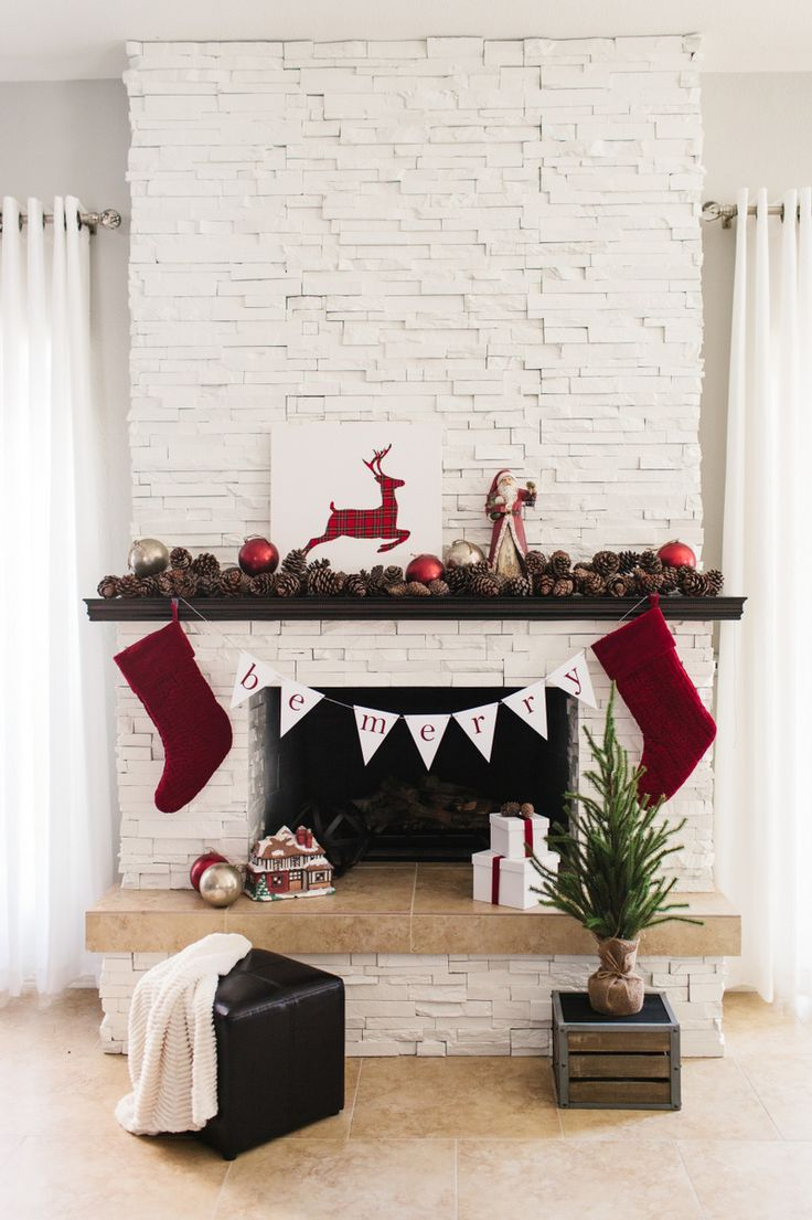 17 best images about christmas decorating ideas on pinterest for Mantel display ideas