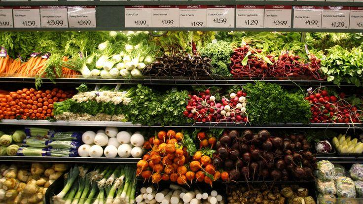米国が空前の有機食品ブームに沸いている。農薬や抗生物質、遺伝子組み換え原料などを使わない、安心して食べられる食品を求める消費者が増えているためだ。大手企業も続々と参入し、市場の拡大を後押ししている。