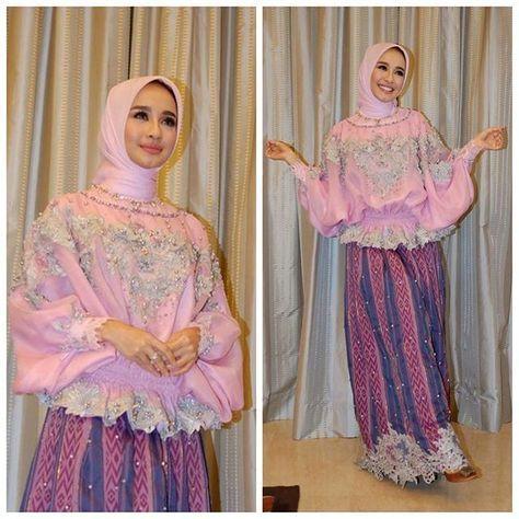 Kesayangan @laudyacynthiabella wearing baju bodo custom by me. ----------------------------- Saroong Skirt design as requested by bella