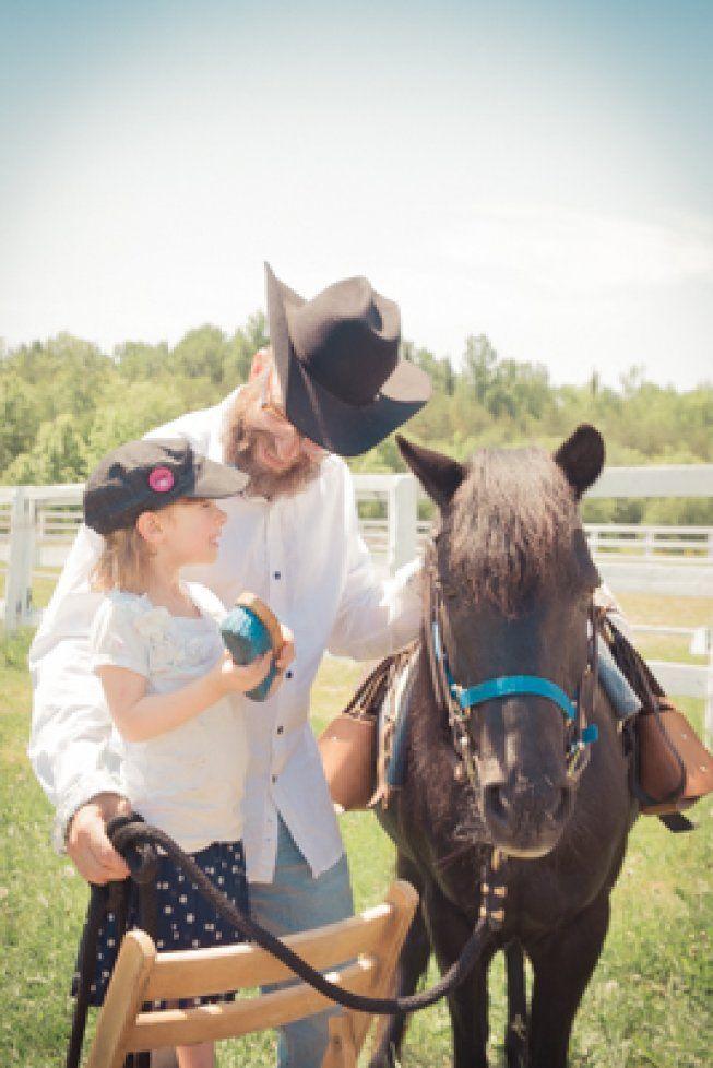 #littlegirl #poney #cowboy