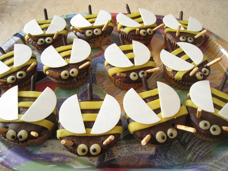 Bienen-Muffins | Cakes, Kuchen, Torten und Törtchen ケーキ ...