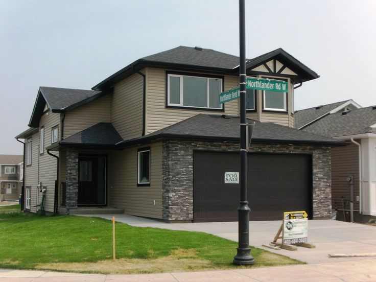 Super size & style for the $$$. Greenwood Homes – Gala Plan. If your looking for lots of room & family functionality, this is it. A wonderful 5 bedroom, 3 bath home with open floor plan, vaulted ceilings & skylights. The exquisite master retreat over the garage boasts a tray ceiling with 4 pce. en-suite jetted tub, double shower & large walk-in closet and the main floor features two additional spacious bedrooms. $399,000.00 SOLD!