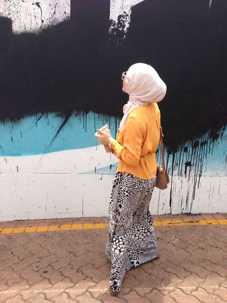 simple and chic! #hijab #hijabi #style #fashion