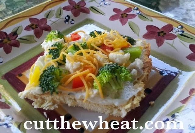 Cut the Wheat, Ditch the Sugar: Cream Cheese #Vegetable #Pizza - Looks awesome! More #lowcarb ♥ served @ http://facebook.com/lowcarbzen :-)