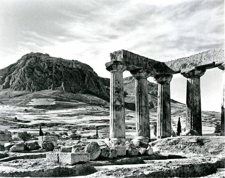 Αρχαία Κόρινθος και Ακροκόρινθος, Οκτώβριος 1958. Φωτογραφία Δημήτρης Χαρισιάδης. Αρχείο Μουσείου Μπενάκη