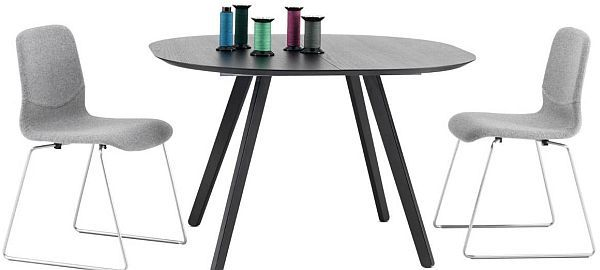 round-dining-table-with-chairs