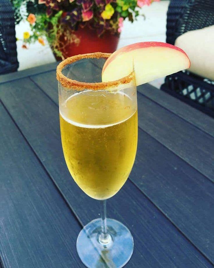 Apple Cider Mimosa (Apple Cider Cocktail)