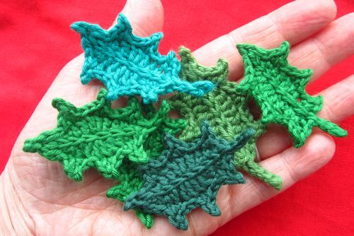 crochet holly leaves