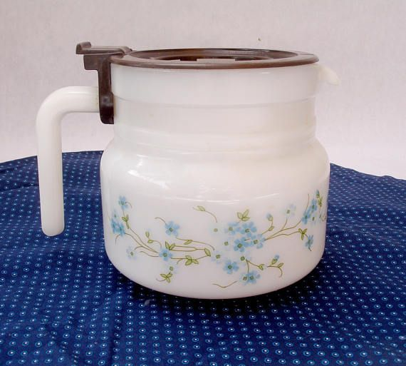 French vintage Arcopal milk glass coffee pot - Arcopal Veronica pattern coffee pot - 1970s