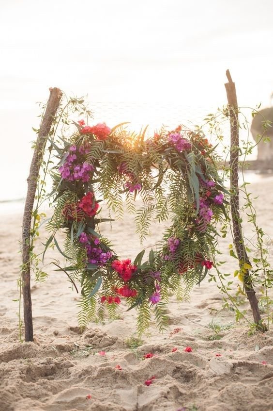 boho beach heart wreath wedding backdrop / http://www.himisspuff.com/wedding-wreaths-ideas/2/