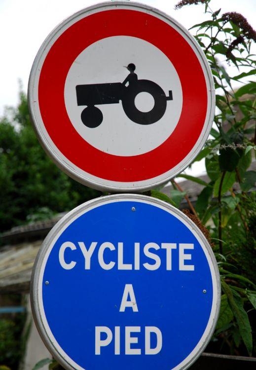 Les panneaux de circulation insolites                                                                                                                                                      Plus