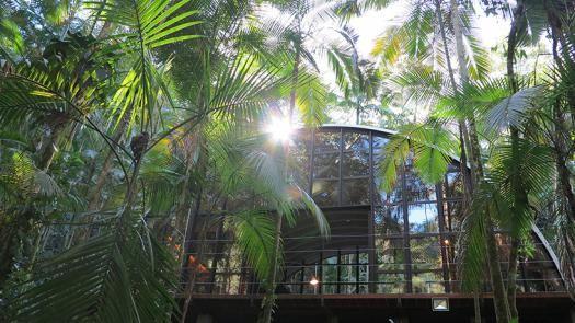 Casas de ensueño: una increíble vivienda sostenible en pleno bosque de Brasil