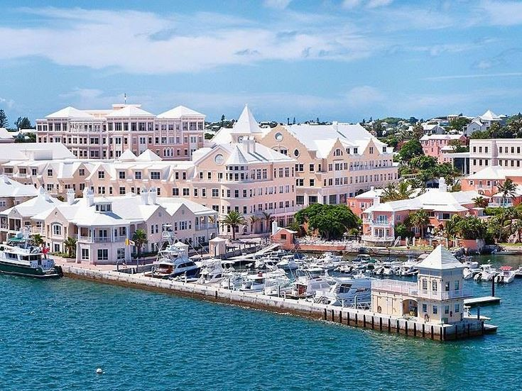 Hamilton, Bermuda... Looks empty without the cruise ships lol