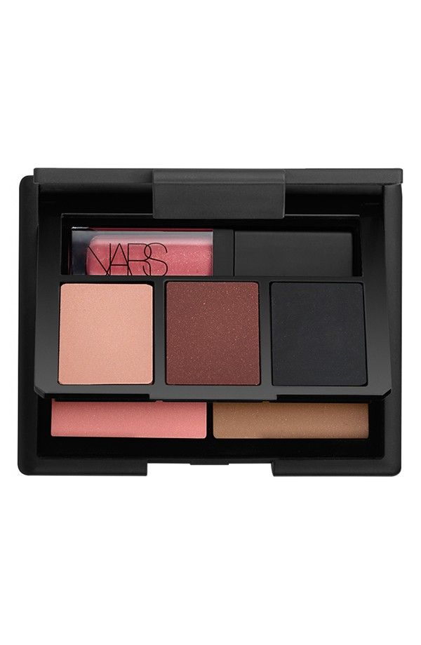Complete look in one palette!