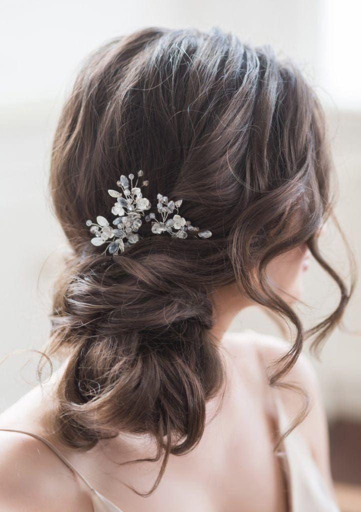 Messy Half Updo Hairstyle Ideas For Wedding Day In 2019 Hairstyleforweddingday Halfupdohairstylef Gaya Rambut Pengantin Gaya Rambut Bergelombang Gaya Rambut